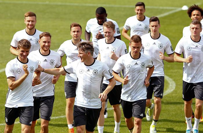 Сборная Германии на тренировке
